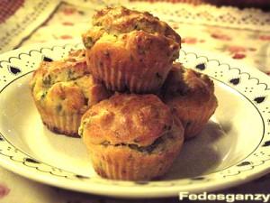 muffin salati: prosciutto, piselli e pecorino